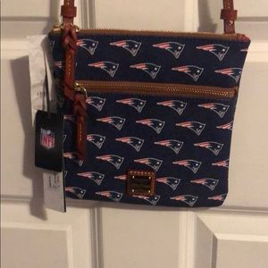 Dooney and Bourke patriot handbag